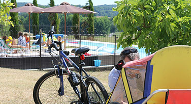 Feature_box_bike&pool