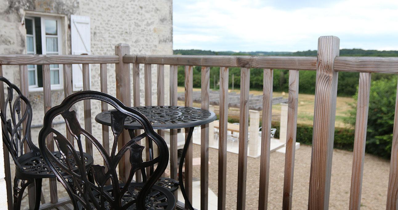 Gite-1292x683_Balcony03