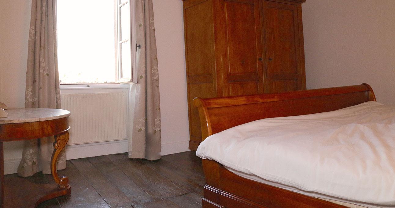 farmhouse-1292x683_bed1_02