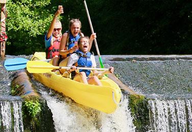 InsetPagePhoto_376x260_Canoe04