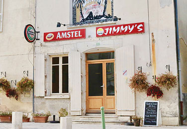 InsetPagePhoto_376x260_jimmys-bar